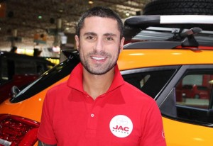 homens-salao-do-automovel-2014-jac-motors